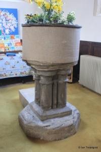 Harrold - St Peter. Font.