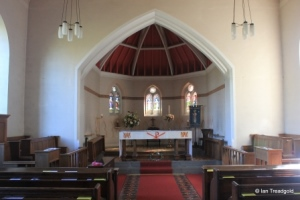Heath & Reach - St Leonard. Chancel and apse.