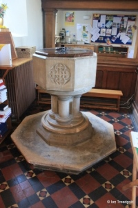 Heath & Reach - St Leonard. Font.