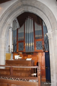 Henlow - St Mary. Chancel, organ chamber.