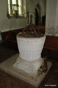 Houghton Regis - All Saints. Font.