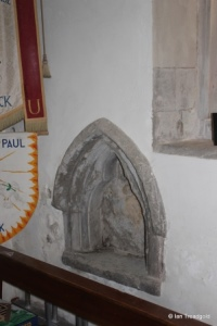 Flitwick - St Peter & St Paul. South aisle, piscina.