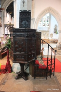 Leighton Buzzard - All Saints. Pulpit.