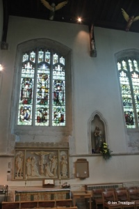 Leighton Buzzard - All Saints. South transept altar.