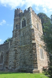 Linslade - St Mary. Tower from the north-west.