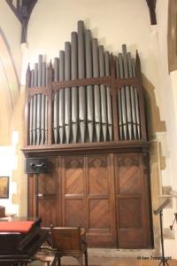 Linslade - St Barnabas. Organ.