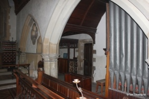 Little Barford - St Denys. Organ chancel.