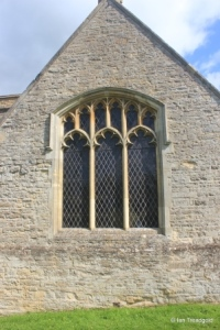 Pavenham - St Peter. South transept, south window.