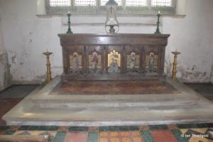 Potsgrove - St Mary. Altar.