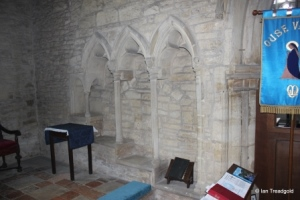 Sharnbrook - St Peter. North chapel sedilia.
