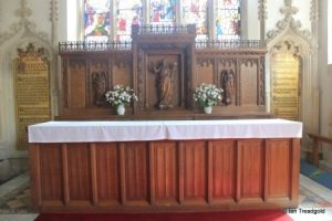Cranfield - St Peter & St Paul. Altar and reredos.