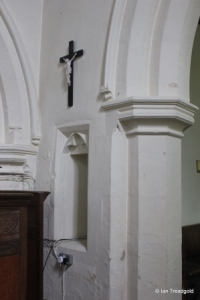 Stanbridge - St John the Baptist. Chancel arch, squint.