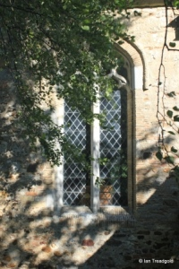 Streatley - St Margaret. South aisle, south-west window.