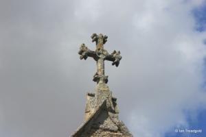 Carlton - St Mary the Virgin. Chancel gable cross.