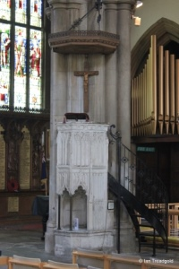 Bedford - St Paul. Pulpit.