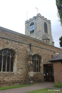 Biggleswade - St Andrew. North aisle and tower.