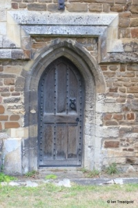 Biggleswade - St Andrew. Chancel, priest's door.