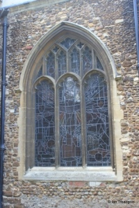 Biggleswade - St Andrew. South aisle, south-west window