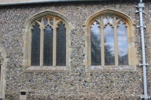 Caddington - All Saints. South aisle, central windows.