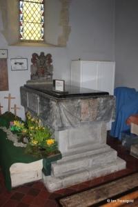 Turvey - All Saints. North aisle, western tomb.