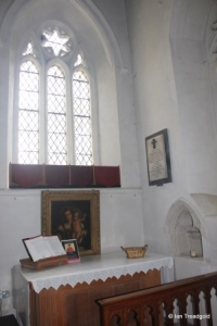 Westoning - St Mary. South aisle, altar.