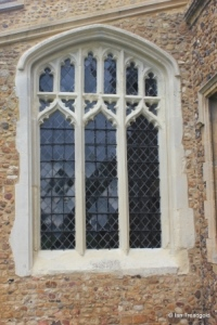 Stotfold - St Mary. South aisle, south window.