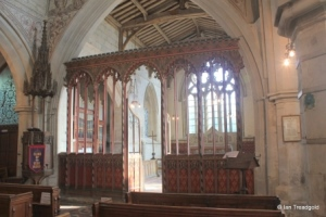 Edlesborough - St Mary the Virgin. Chancel screen.