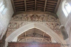 Edlesborough - St Mary the Virgin. Chancel arch decoration.
