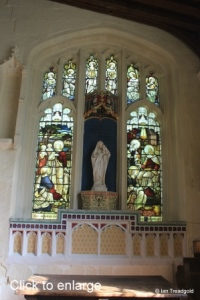 Eaton Bray - St Mary the Virgin. Lady chapel, east window, internal.