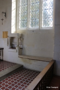 Eaton Bray - St Mary the Virgin. Chancel piscina and sedilia.