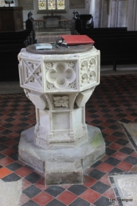 Edworth - St George. Font.